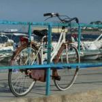 Mondello - rower przypi?ty do molo