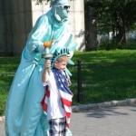 Statua Wolności wśród ludzi :)