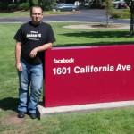 Przed siedzibą Facebooka