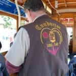 Konduktor w tramwaju linowym