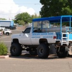 Jeepki, którymi dojeżdżaliśmy do kanionu