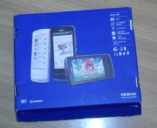 Nokia 700 - Angry Birds na pudełku