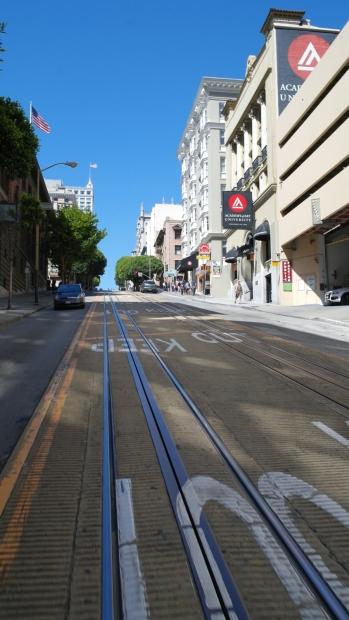 Wydzielone torowisko tramwaju linowego na stoku